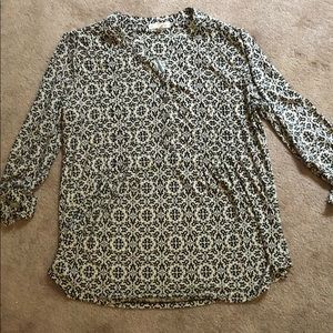 Dress Barn v-neck, 3/4 sleeve blouse